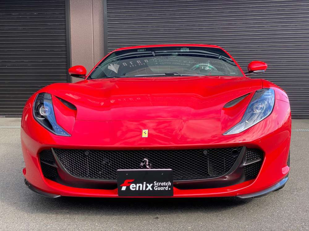 Ferrari 812 Fenix Scratch Guard Paint protectionfilm